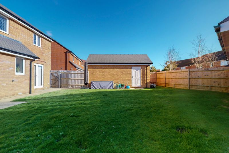3 bed house for sale in Ferry Drive, Chichester  - Property Image 10