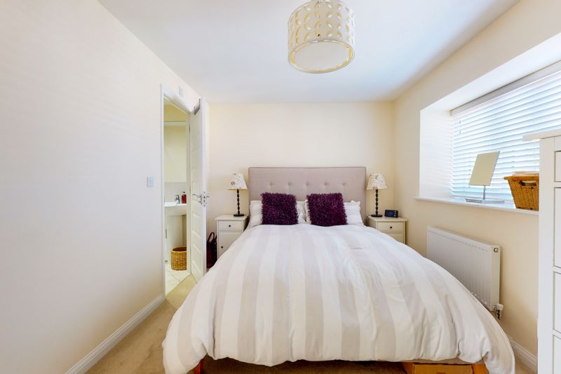 3 bed house for sale in Ferry Drive, Chichester  - Property Image 14