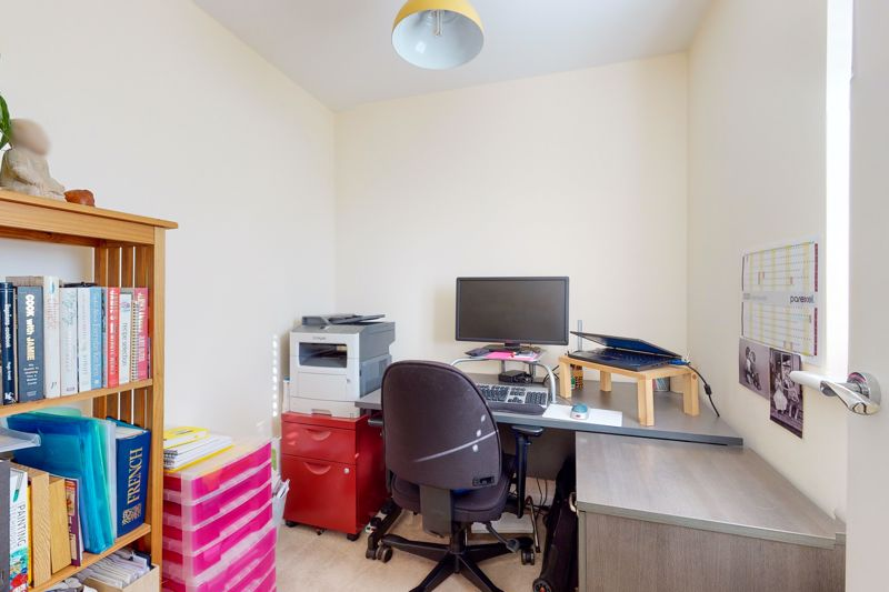 3 bed house for sale in Ferry Drive, Chichester  - Property Image 12