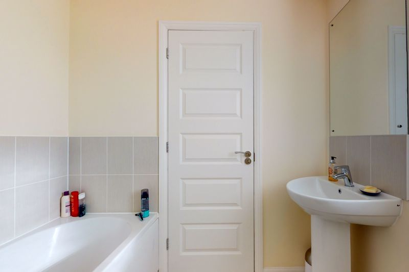 3 bed house for sale in Ferry Drive, Chichester  - Property Image 16