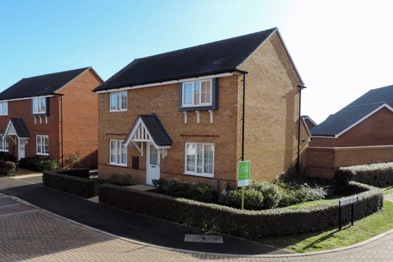 3 bed house for sale in Ferry Drive, Chichester 18