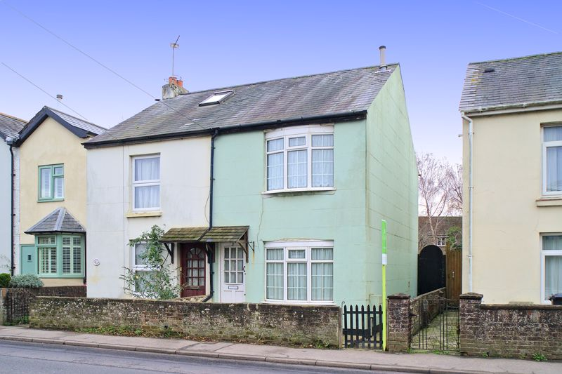 2 bed for sale in Mayfield Place, Chichester  - Property Image 1