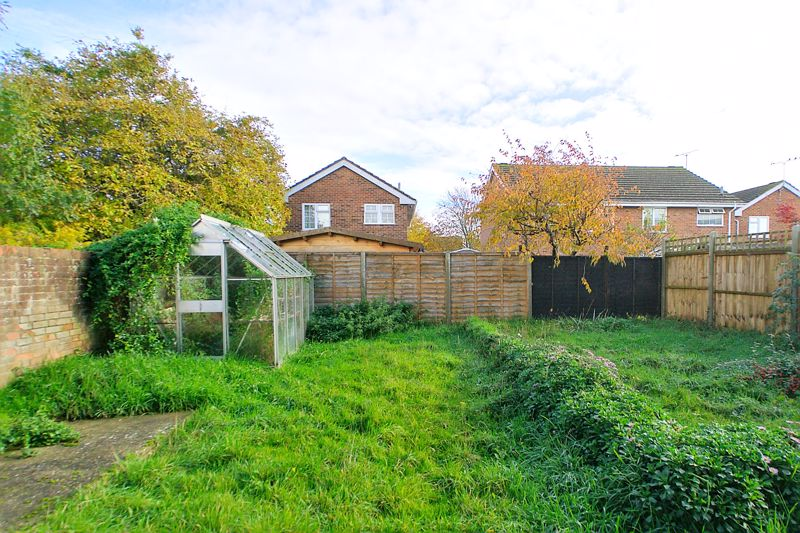 3 bed house for sale in Downview Close, Arundel 5