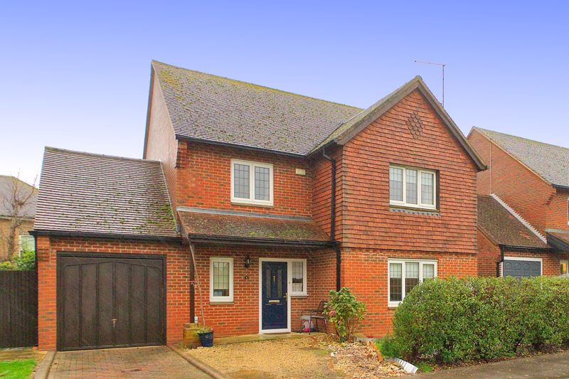 4 bed house for sale in Hunters Mews, Arundel  - Property Image 1