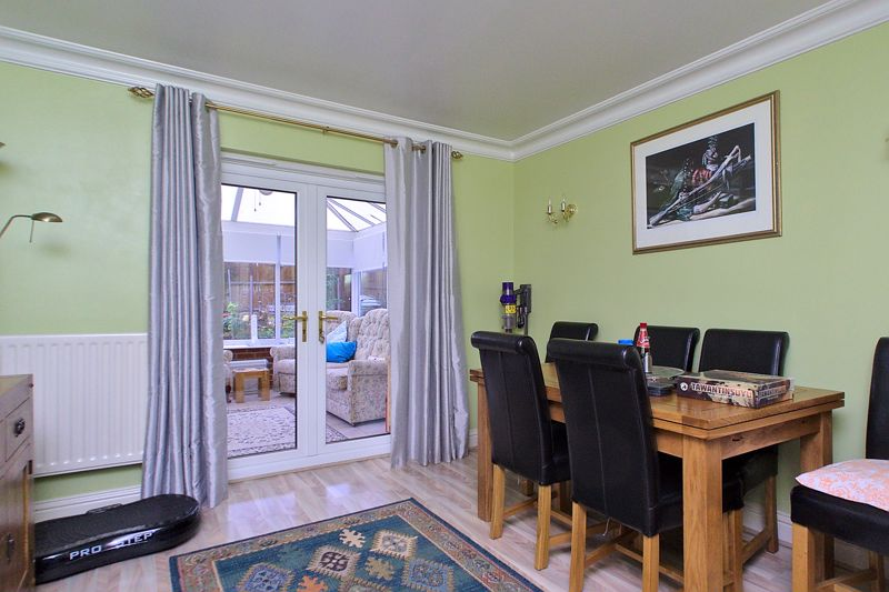 4 bed house for sale in Hunters Mews, Arundel  - Property Image 4
