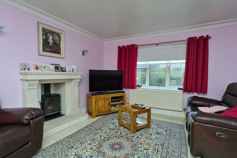 4 bed house for sale in Hunters Mews, Arundel 1