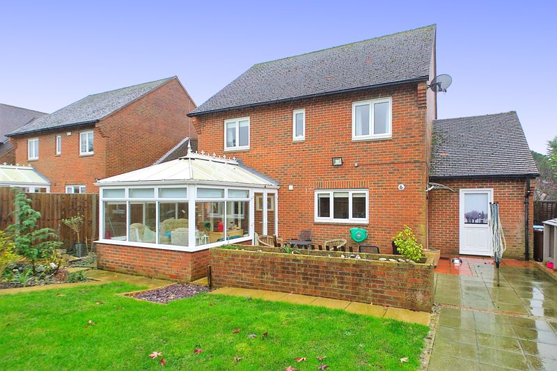 4 bed house for sale in Hunters Mews, Arundel 4
