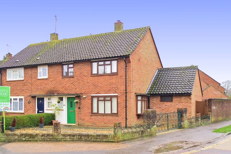 4 bed house for sale in Sherborne Road, Chichester 1