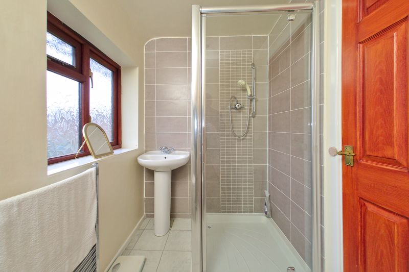 4 bed house for sale in Sherborne Road, Chichester  - Property Image 13