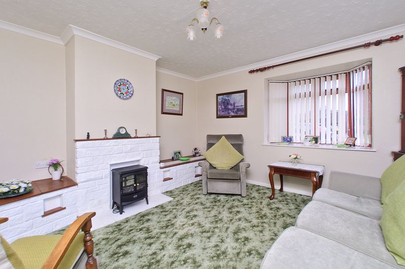 4 bed house for sale in Sherborne Road, Chichester 2