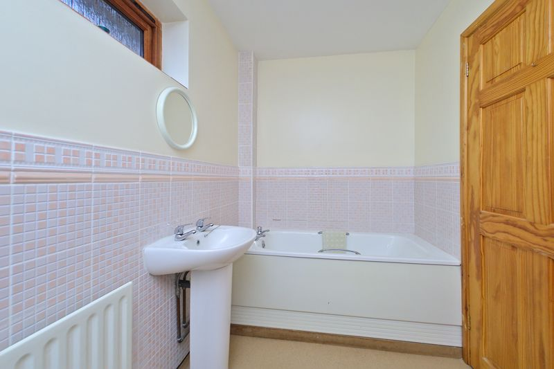 4 bed house for sale in Sherborne Road, Chichester  - Property Image 10