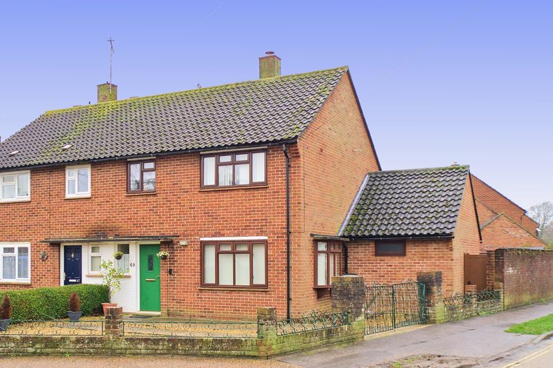 4 bed house for sale in Sherborne Road, Chichester  - Property Image 1