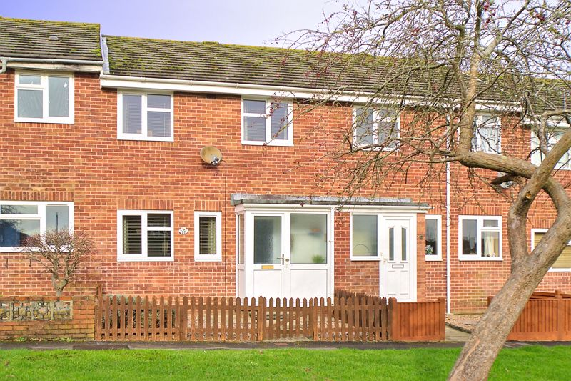 3 bed house for sale in The Pitcroft, Chichester  - Property Image 5