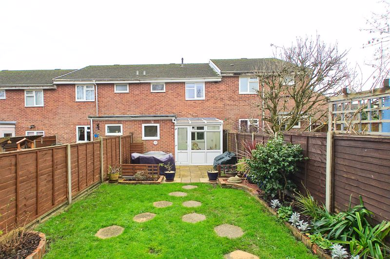 3 bed house for sale in The Pitcroft, Chichester  - Property Image 6