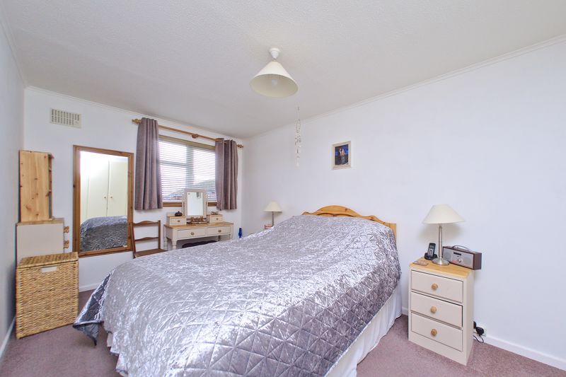 3 bed house for sale in The Pitcroft, Chichester  - Property Image 4