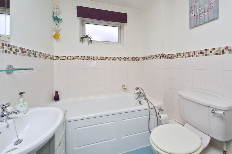 3 bed house for sale in The Pitcroft, Chichester  - Property Image 10