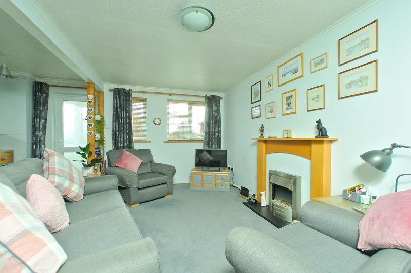 3 bed house for sale in The Pitcroft, Chichester 1