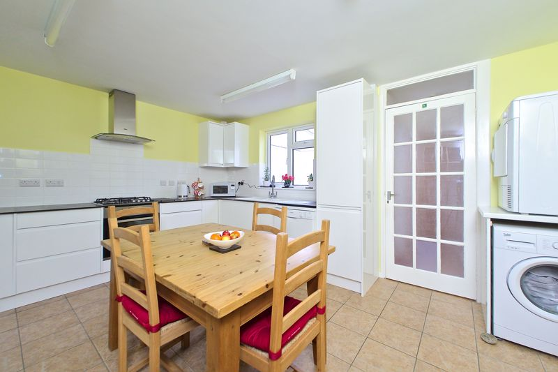 3 bed house for sale in The Pitcroft, Chichester  - Property Image 3