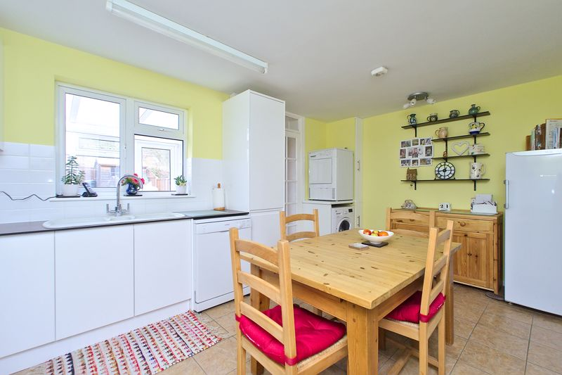 3 bed house for sale in The Pitcroft, Chichester  - Property Image 8