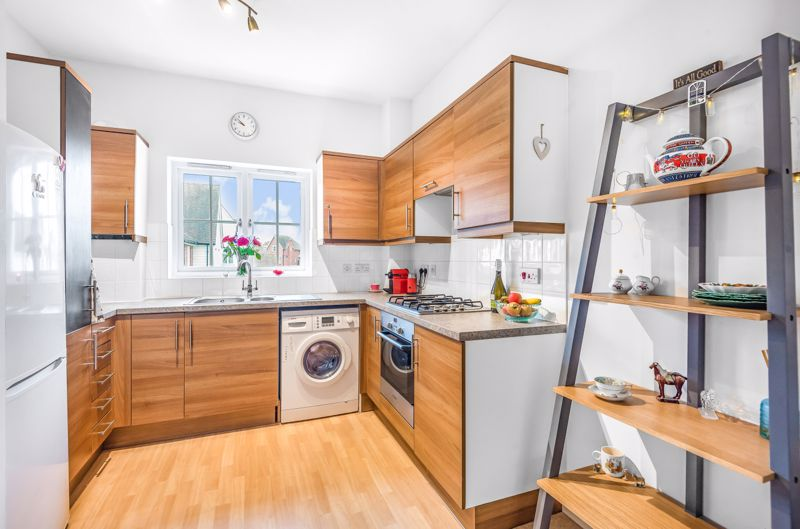 1 bed flat for sale in Lillywhite Road, Chichester 3
