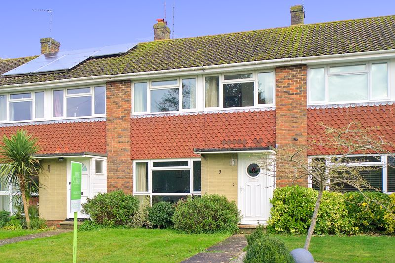 3 bed house for sale in Old Cottage Close, Chichester - Property Image 1