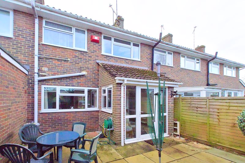 3 bed house for sale in Old Cottage Close, Chichester  - Property Image 5