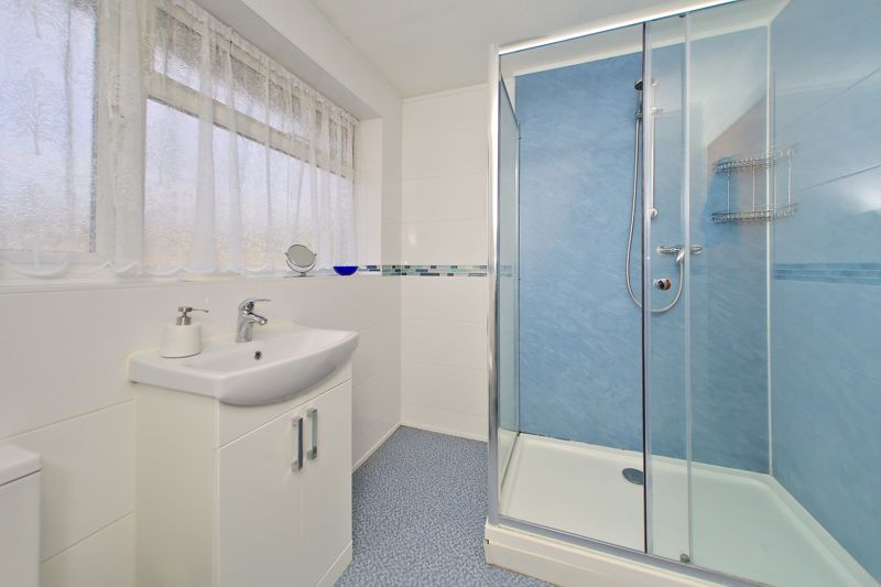 3 bed house for sale in Old Cottage Close, Chichester  - Property Image 8
