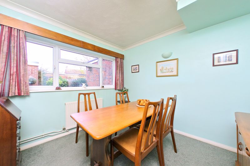 3 bed house for sale in Old Cottage Close, Chichester  - Property Image 7