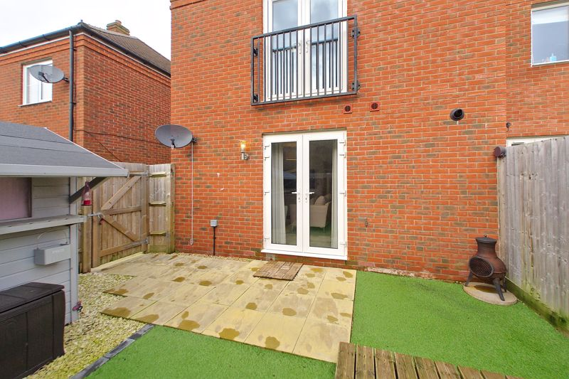 1 bed flat for sale in Kiln Mews, Chichester 6
