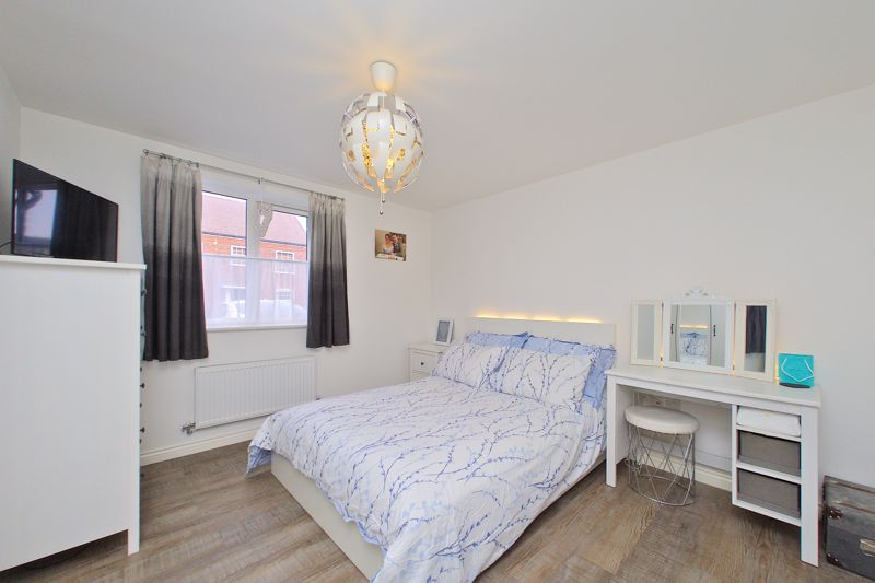 1 bed flat for sale in Kiln Mews, Chichester 2