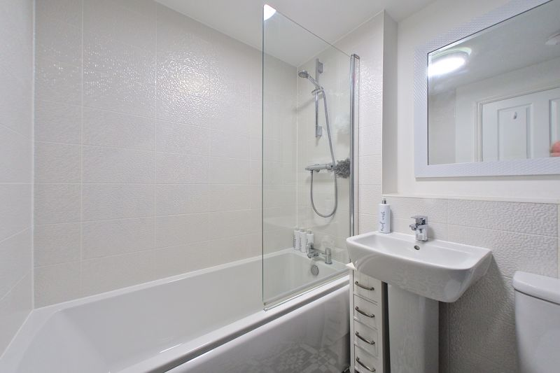 1 bed flat for sale in Kiln Mews, Chichester  - Property Image 8