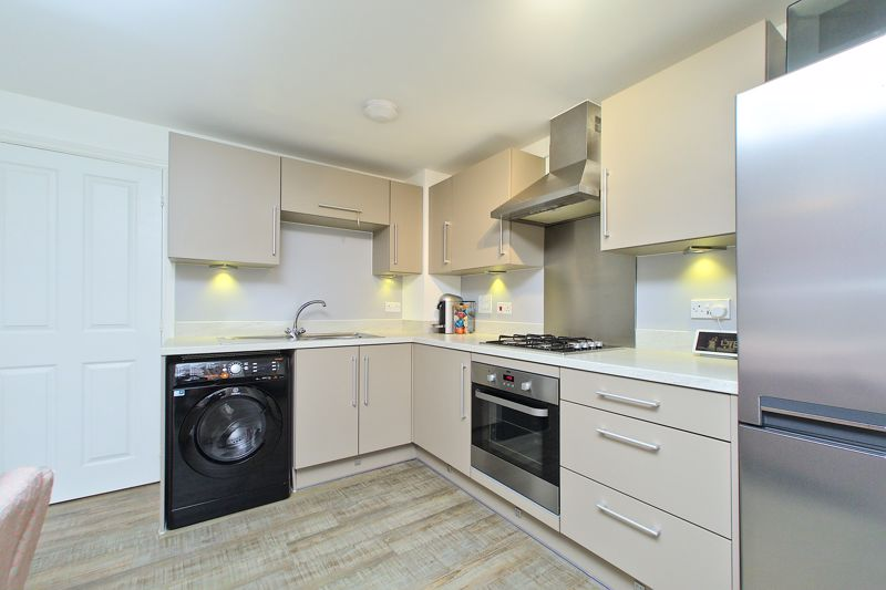 1 bed flat for sale in Kiln Mews, Chichester  - Property Image 4