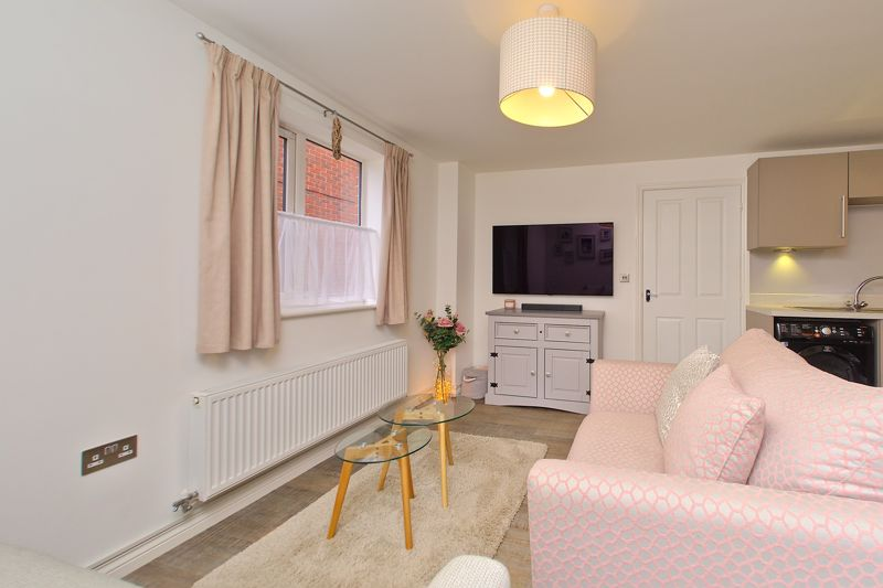 1 bed flat for sale in Kiln Mews, Chichester 4