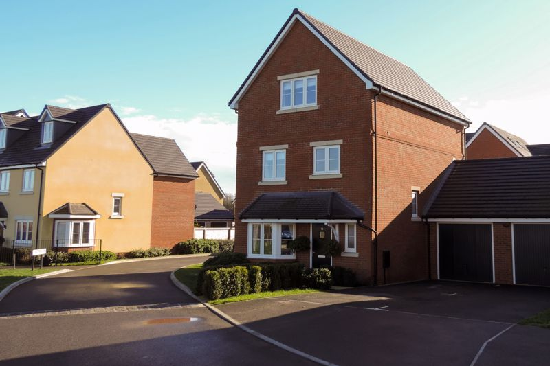 4 bed house for sale in Kingfisher Gardens, Chichester  - Property Image 19