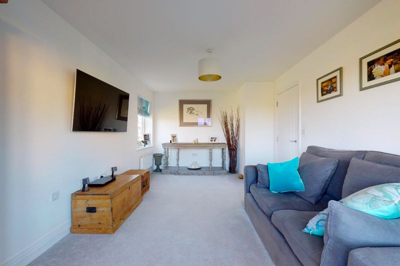 4 bed house for sale in Kingfisher Gardens, Chichester  - Property Image 12