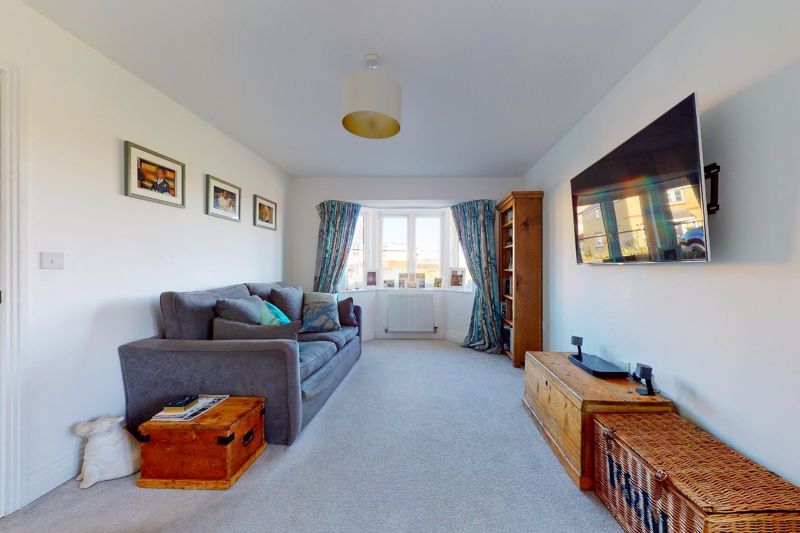 4 bed house for sale in Kingfisher Gardens, Chichester 1