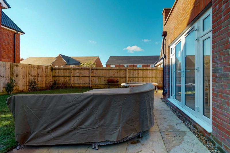 4 bed house for sale in Kingfisher Gardens, Chichester  - Property Image 17