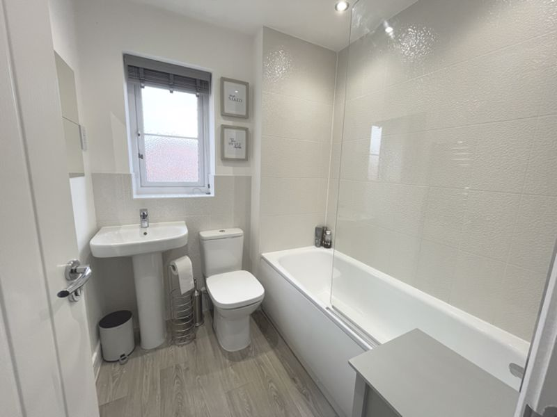 3 bed house for sale in Squires Grove, Chichester  - Property Image 13