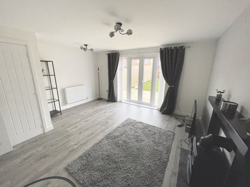 3 bed house for sale in Squires Grove, Chichester  - Property Image 11