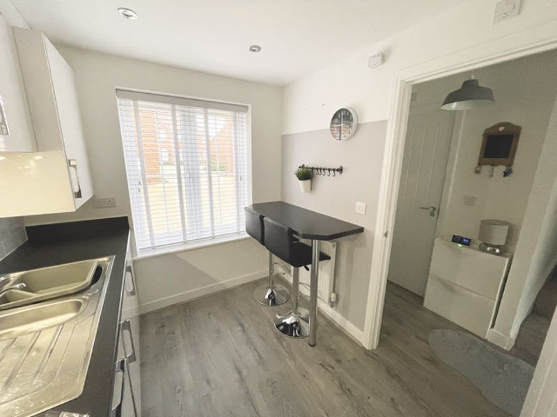 3 bed house for sale in Squires Grove, Chichester 7