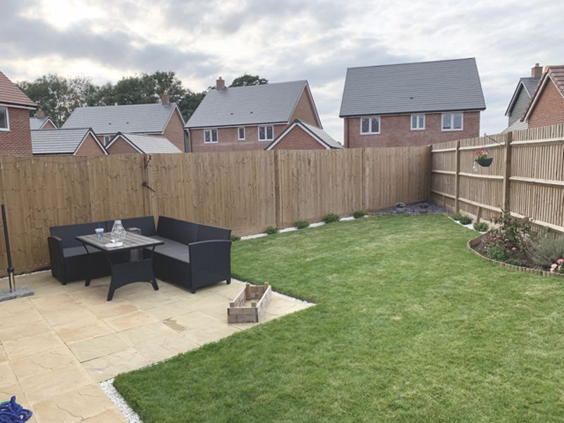 3 bed house for sale in Squires Grove, Chichester 4