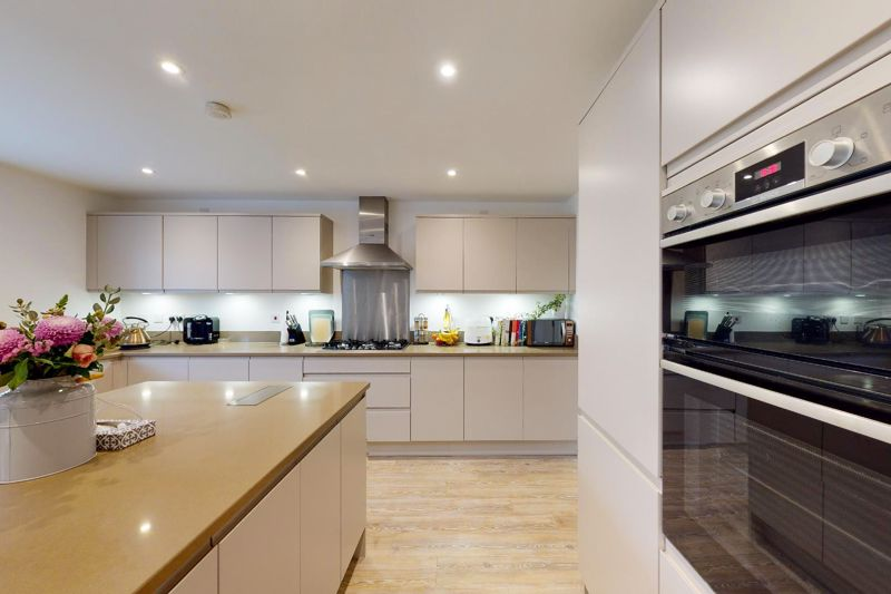 5 bed house for sale in Bankside, Chichester  - Property Image 6