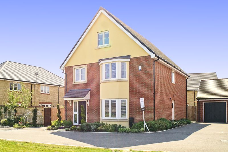 5 bed house for sale in Bankside, Chichester  - Property Image 1