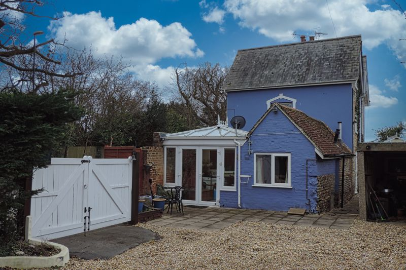 3 bed for sale in Turnpike Cottages, Chichester  - Property Image 1