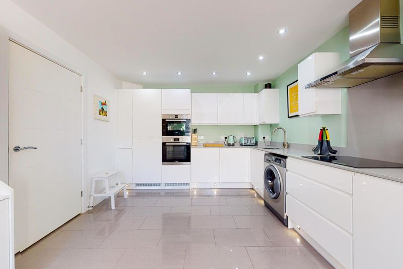 4 bed house for sale in Blossom Way, Bognor Regis 2