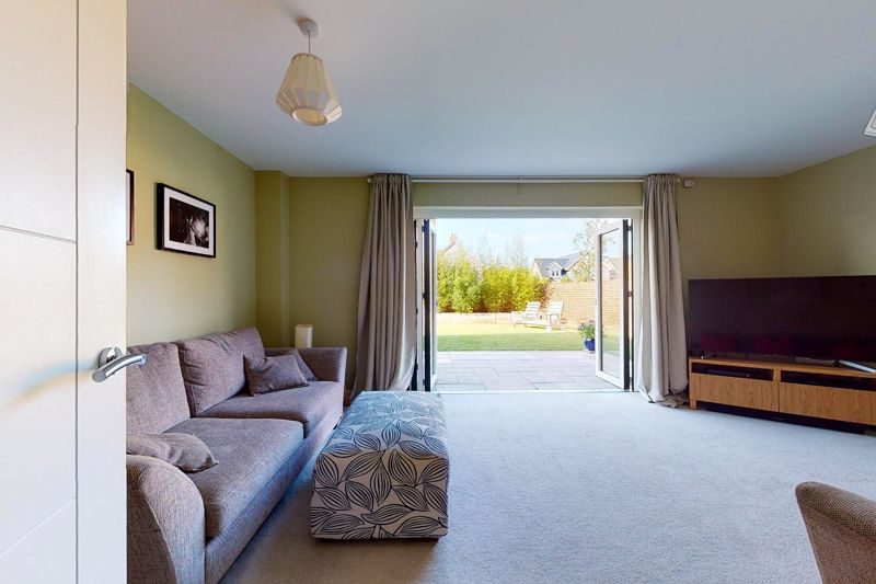 4 bed house for sale in Blossom Way, Bognor Regis 3