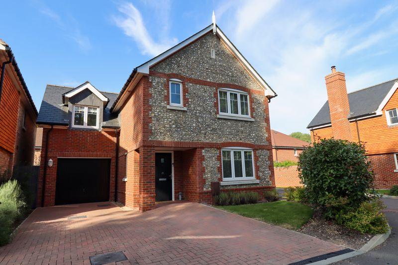 4 bed house for sale in Blossom Way, Bognor Regis  - Property Image 1