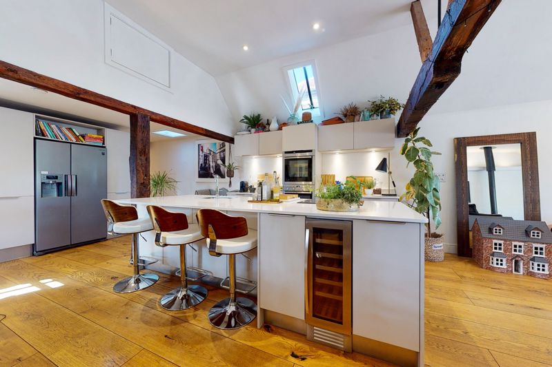 3 bed bungalow for sale, Chichester  - Property Image 3
