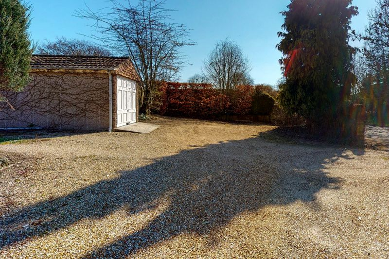 3 bed bungalow for sale, Chichester  - Property Image 21