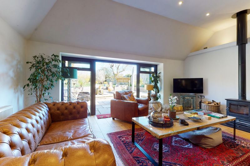 3 bed bungalow for sale, Chichester 16